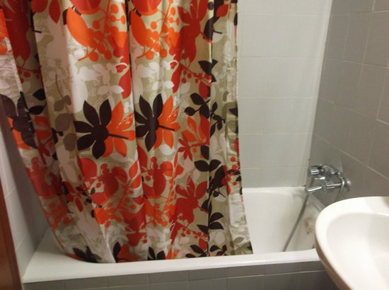 Golf View Hotel: Fab shower curtain