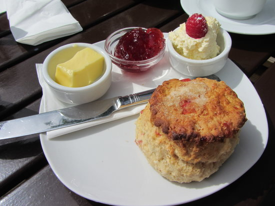 Number 5 Coffee House: Cream tea