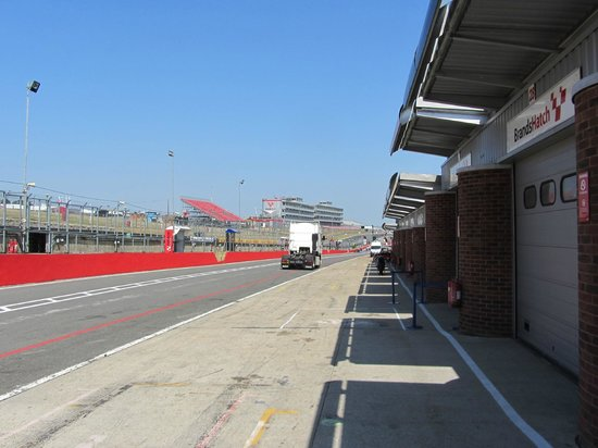 Brands Hatch : Paddock view on thursday before BSB