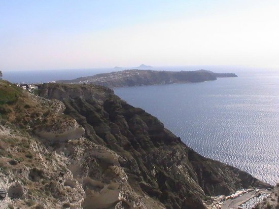 Kafouros Hotel: view from oia 3