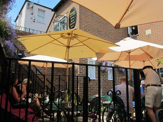 Belinda's Tearooms: Outside seating