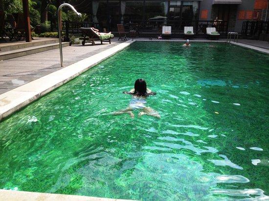 Landison Longjing Resort: Swimming pool