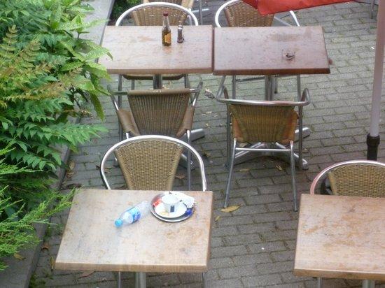 Pizza Hut: Dreckige Tische