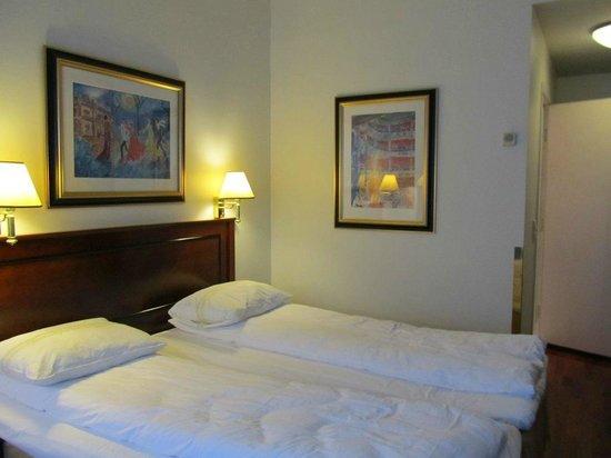 Thon Hotel Opera : bedroom