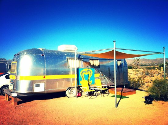 Kate's Lazy Desert: Airstream trailer - your home for the night!