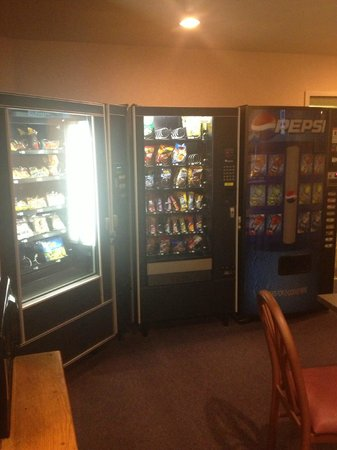SureStay Collection by Best Western Inn at Santa Fe : Vending Machines