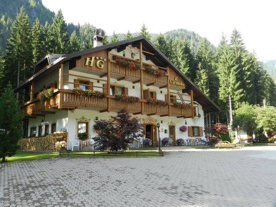 Hotel Garni Il Cirmolo: Vista hotel
