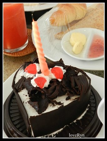 The Bidadari Villas and Spa: Birthday Cake from Bidadari Management and Team
