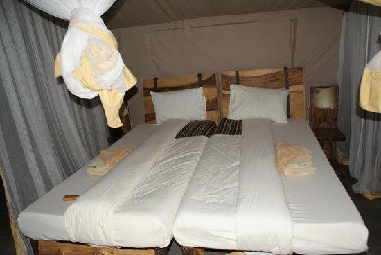 Robanda Tented Camp: Bed