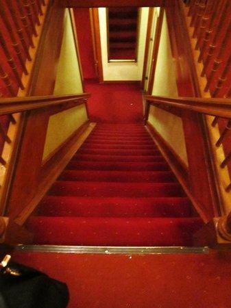 Atlanta Hotel: Scale ripidissime