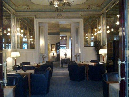 Henri Hotel Berlin: Entrens