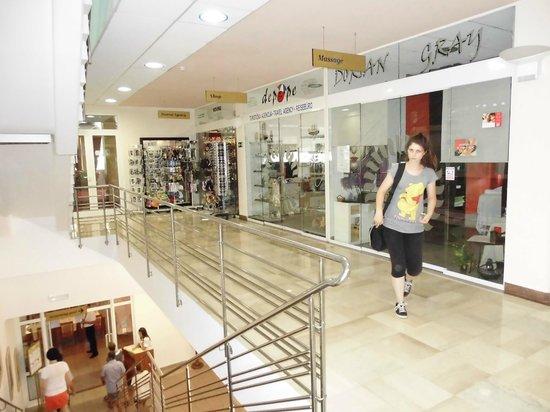 Villa Lovorka: Shop