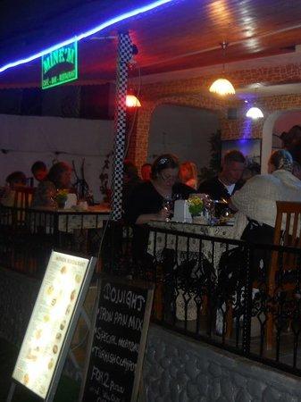 Minem Cafe Bar: Evening dinner
