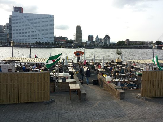 Photo of Seafood Restaurant A La Plancha at Maaskade 74, Noordereiland, Rotterdam, Netherlands