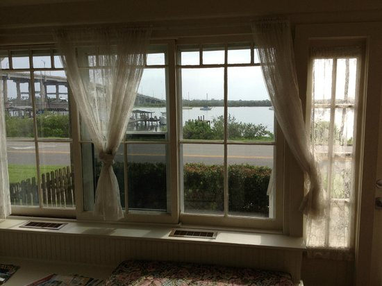 Night Swan Intracoastal Bed and Breakfast : Manitee Viewing Room