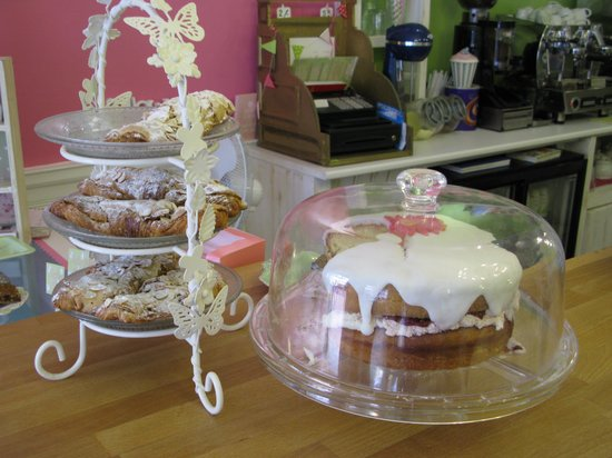 Neates Cakery: Objects of desire