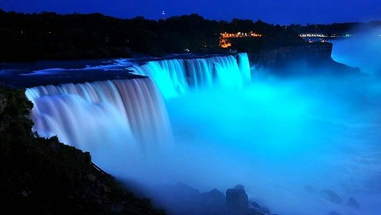 Orchard Park Inn: visited Niagara Falls the day the new Royal Baby boy was born!