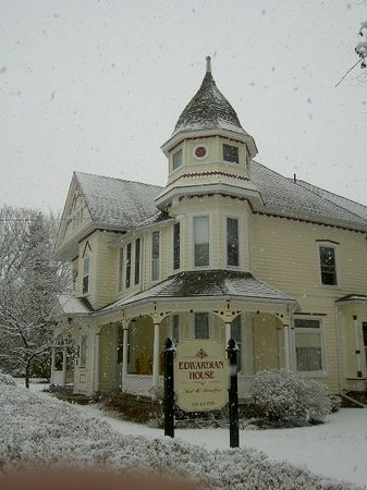 The Edwardian House Bed and Breakfast: Winter 013