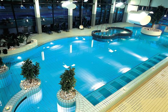 Hotel Balnea Superior: Pools