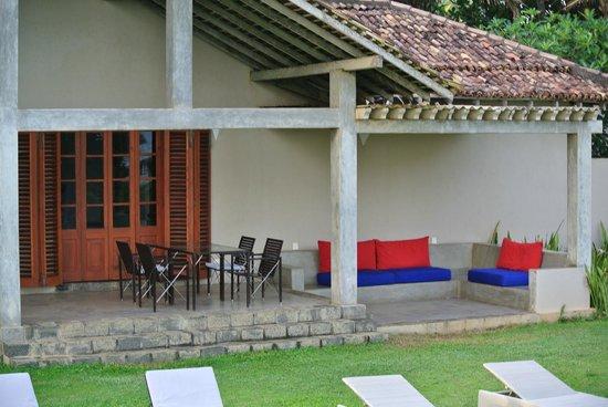 Frangipani Tree: The balcony and outdoor lounge room