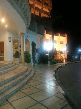 Marhaba Royal Salem: outside the hotel