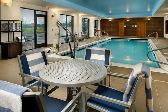 Hampton Inn & Suites Washington, DC North / Gaithersburg: Indoor salt purified pool