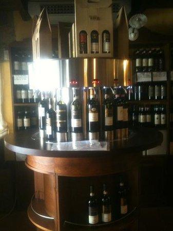 Osteria del Borgo: sistema per la mescita del vino,spettacolo!