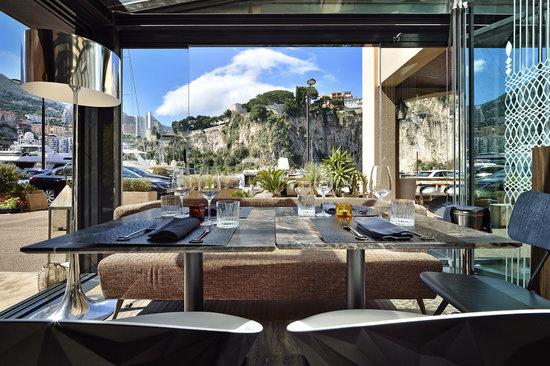 OneApple - Mediterranean Cuisine & Cocktail Bar