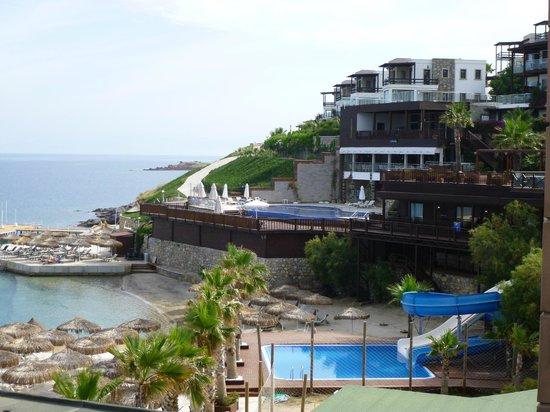 Delta Beach Resort: une des piscines