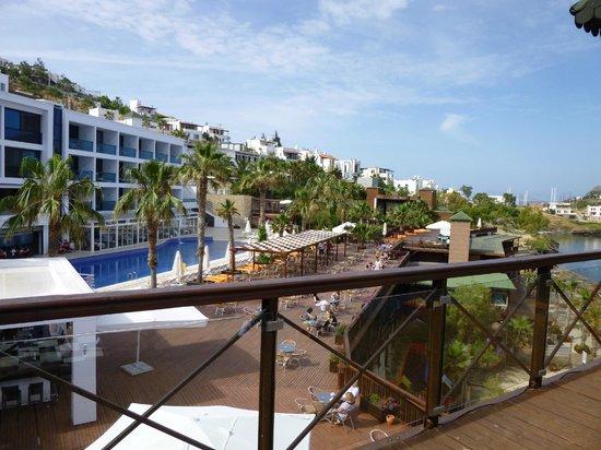 Delta Beach Resort: piscine principale