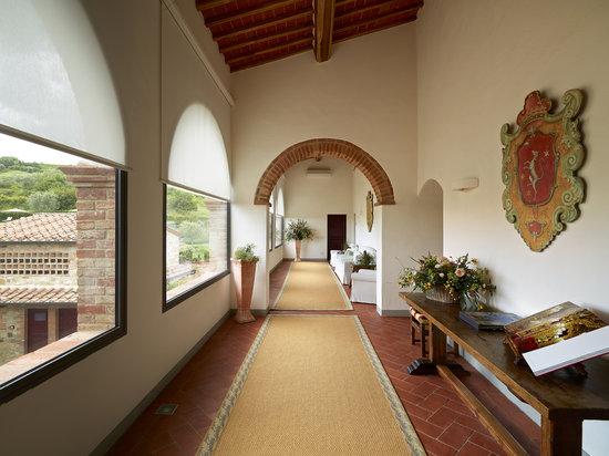 Hotel Le Fontanelle: First floor corridor