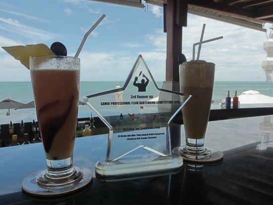 Pavilion Samui Villas & Resort: leckere Drinks an der Poolbaar