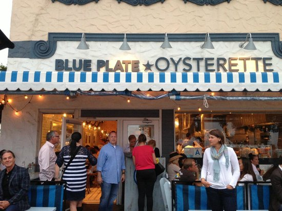 Blue Plate Oysterette : Front of restaurant