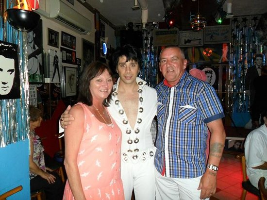 The Elvis Tribute Bar And Diner : Elaine , Elvis , Billy