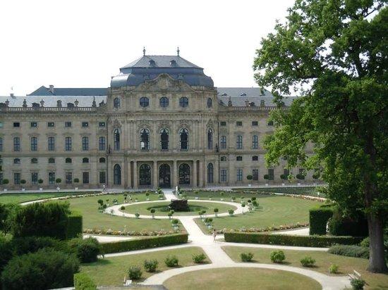 Neue Residenz: Garden view