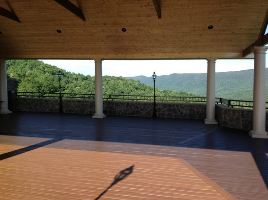 House Mountain Inn: dancing area at Irvine Estate