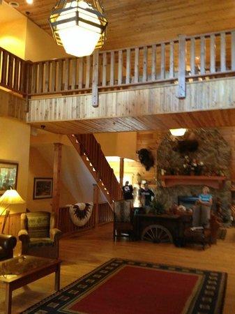 Entrance at House Mountain Inn