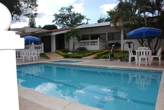 Hotel jardin del lago desde cali colombia for Hotel ciudad jardin