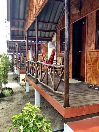 Coco Garden Resort: garden view, super bungalows