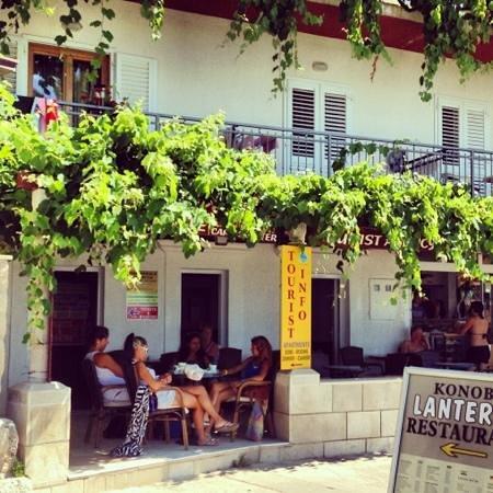 Villa Ana: Cafe Holgar