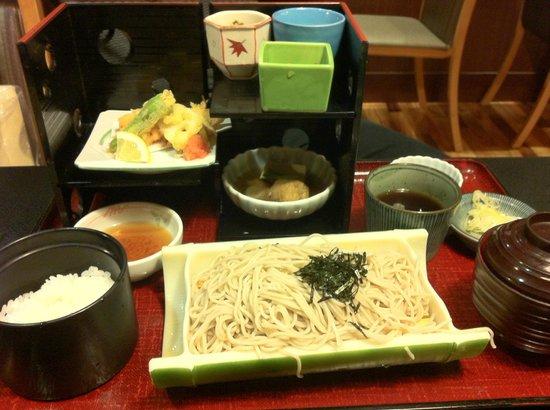 Tsukijiuemura Hachioji: Tsukijiuemura Buckwheat Soba Set