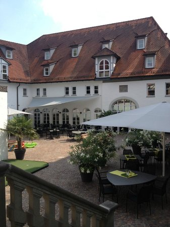 Hotel Bischofschloss: Inner Courtyard