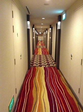 Park Avenue Changi Hotel: hallway on the 3rd floor