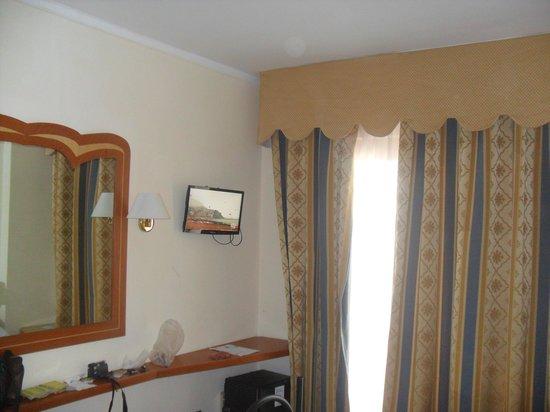 Hotel Albatros : Camera lato finestra