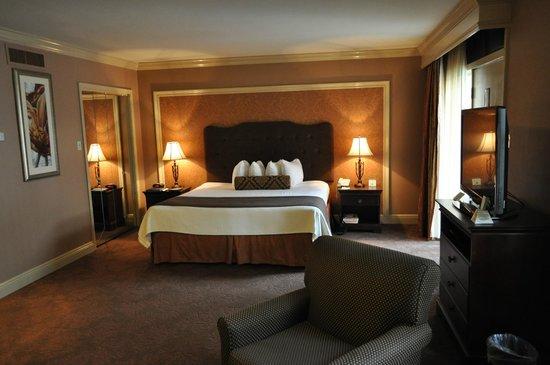 Best Western Plus French Quarter Landmark Hotel : Sleeping area