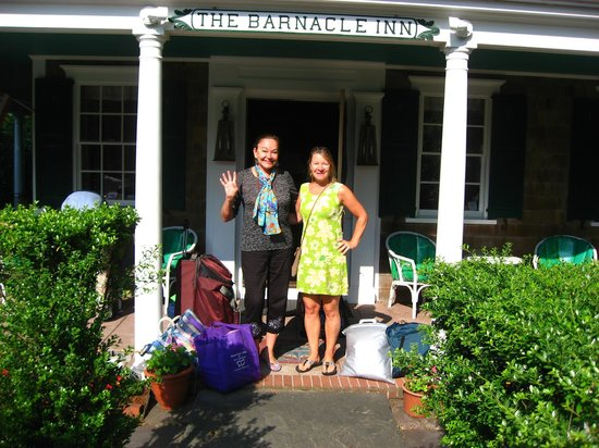 Barnacle Inn: Eva and the owner, Suzie