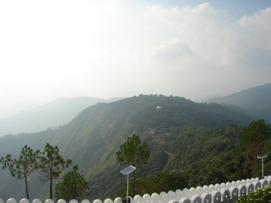HPTDC The Chail Palace: View from kali temple