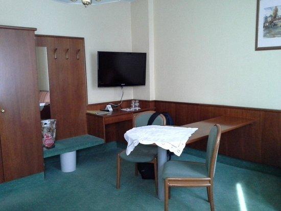 Hotel Marienbad: Altra zona della stanza