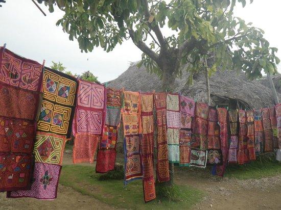 Molas - Comunidad - Yandup island Lodge