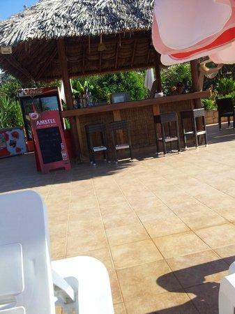 Ran-Mari Apartments : Bar